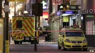 Полицейские автомобили на Оксфорд-стрит
