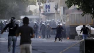 قوات الامن البحرينية تستخدم عبوات الغاز ضد المتظاهرين