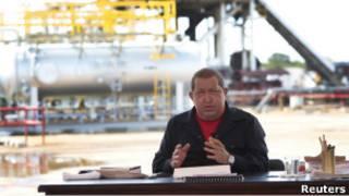 چاوز در حال اجرای برنامه