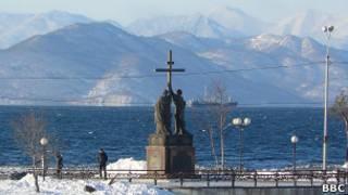 Памятник св. Петру и Павлу в Петропавловске-Камчатском