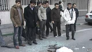 ईरान में कार पर बम हमला