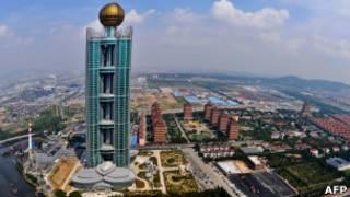 Небоскреб Лонцзи в Китае