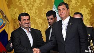 Correa y Ahmadineyad