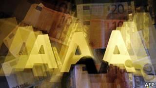 "Буквы ""ААА"" и банкноты евро"