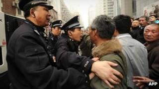 Công an Trung Quốc giải tán một cuộc biểu tình hồi tháng Hai 2011