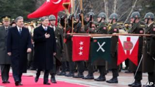 Прием президента Киргизии в Анкаре