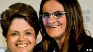 Graça Foster com Dilma Rousseff em evento em 2011