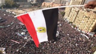 مظاهرات حاشدة للمطالبة باسقاط مبارك