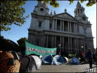 聖保羅大教堂前的帳篷營地