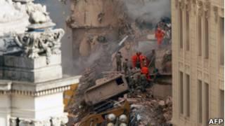 Desabamento na Cinelândia. Foto: AFP