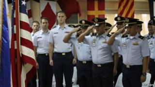 Tentara AS dan tentara Filipina di Manila.