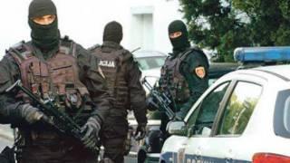 عناصر من الشرطة الصربية