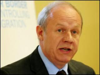 英國移民部長格林