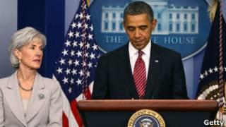 Obama y la secretaria de Salud y Servicios Humanos, kathleen Sibelius