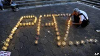 Vigília pela liberação de reféns das Farc, em janeiro, na Colômbia (AP)