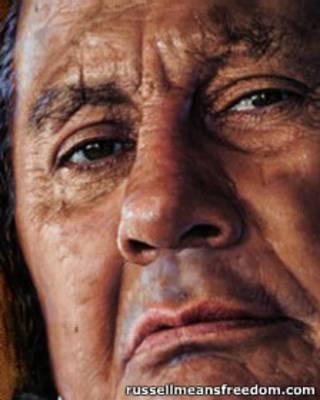 راسل مینز، از فعالان حقوق سرخپوستان