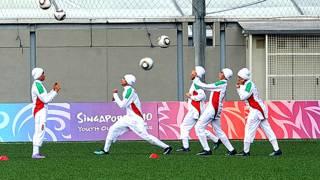 فوتبال زنان با پوشش سر