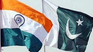پاکستان اور بھارت کے وزراء(فائل فوٹو)