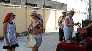 Cử tri Nga đi bỏ phiếu tại Nha Trang