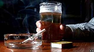 Escócia proibiu fumo em locais públicos em 2006 (Foto: Arquivo/PA)
