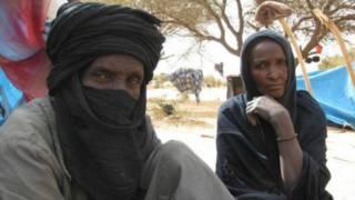 Mohammed Islamta y su mujer tras huir de Mali