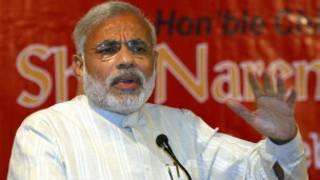 नरेंद्र मोदी के मुंबई आने पर सवाल