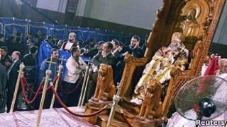 البابا شنودة الثالث على الكرسي البابوي