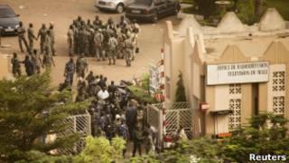 Солдаты в Бамако