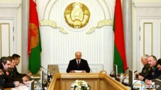 Александр Лукашенко проводит заседание