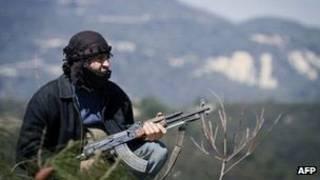 Combatente rebelde em Idlib (AFP)