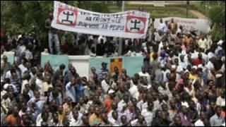 احتجاجات في باماكو عاصمة مالي ضد الانقلاب
