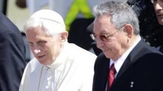 البابا وراؤول كاسترو