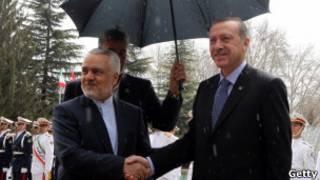 مراسم استقبال رسمی از اردوغان در کاخ سعدآباد توسط معاون اول رئیس جمهوری ایران
