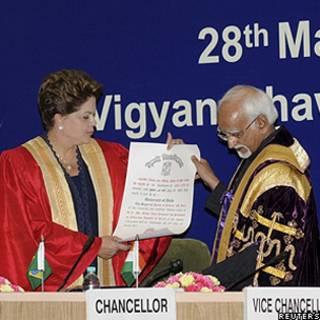 Dilma na Universidade de Nova Déli (Reuters)