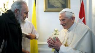 Giáo hoàng Benedict XVI gặp lãnh tụ Cuba Fidel Castro