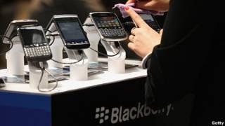 teléfonos blackberry em exhibición