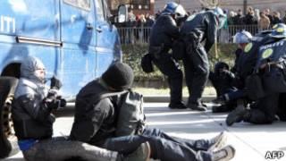 بازداشت هواداران دست راستی در آرهوس دانمارک