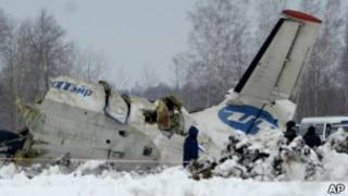Разбившийся под Тюменью самолет