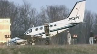 Chiếc Cessna được bà Helen Collins, phụ nữ 80 tuổi, hạ cánh an toàn