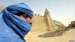 Seorang warga Tuareg di Timbuktu.