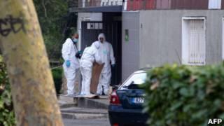 Полиция у подъезда дома жертвы