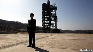 Северокорейская ракета на стартовой позиции
