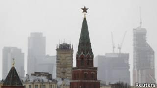 Башни Кремля и Москва-Сити