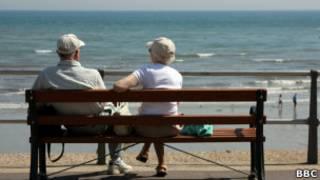 Casal de idosos. | Foto: BBC