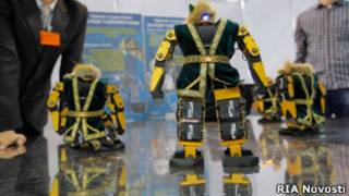 Роботы на выставке инноваций