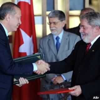 Lula, Amorim e Erdogan. Foto: Roosewelt Pinheiro/ABr