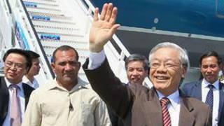 Ông Nguyễn Phú Trọng về tới sân bay Nội Bài sau khi hủy thăm Brazil