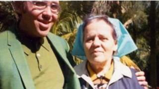 Avó de Carol Zall (à dir.), em foto de arquivo pessoal