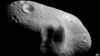 Asteroide Eros que passou perto da Terra em 2000 (Arquivo/AP)