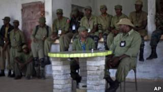Ex-militares dão entrevista no Haiti